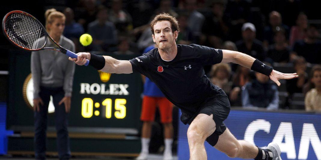 Le Serbe Novak Djokovic et le Britannique Andy Murray s'affronteront dimanche en finale.
