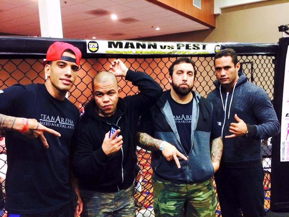 Here Dudes, Vince Salvador, Charles Martinez et Tamahau Mc Comb