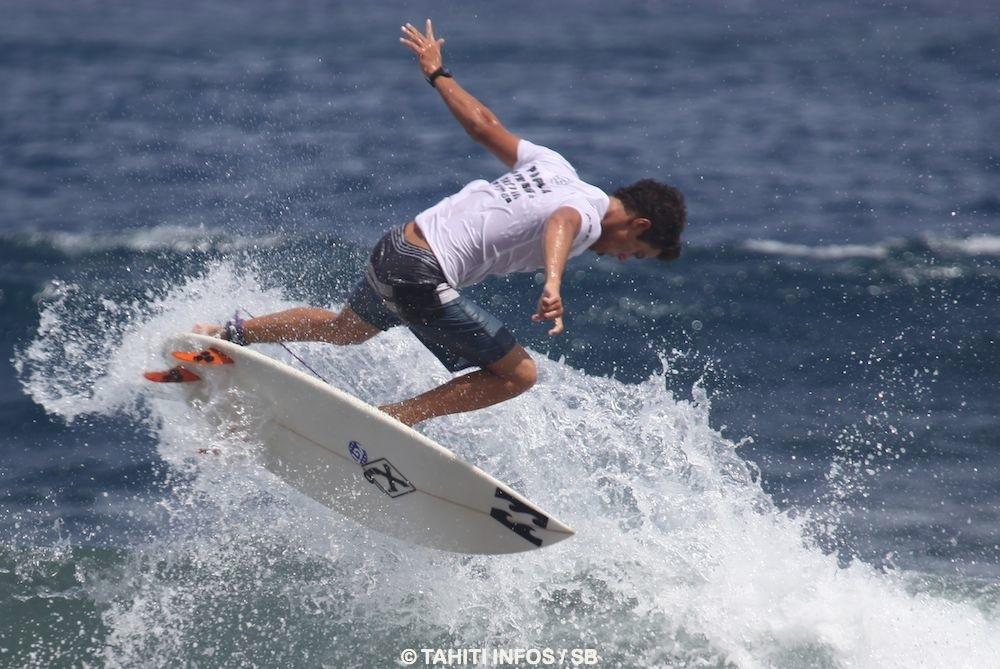 Mateia Hiquily, le meilleur Tahitien pro au classement,  après Michel Bourez