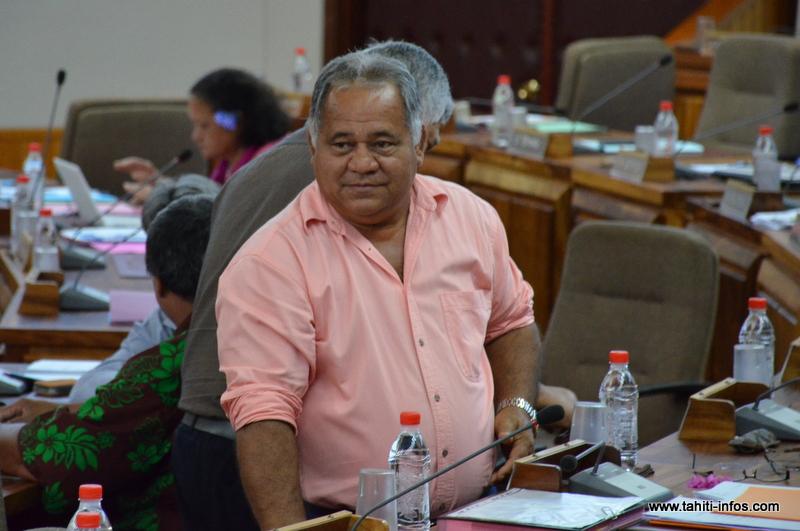 Le représentant de la section des îles Sous-le-vent Rudolph Jordan s'est subitement rétracté, hier matin, après avoir démissionné mardi du Tahoera'a et fait une demande d'adhésion au groupe Tapura Huiraatira.