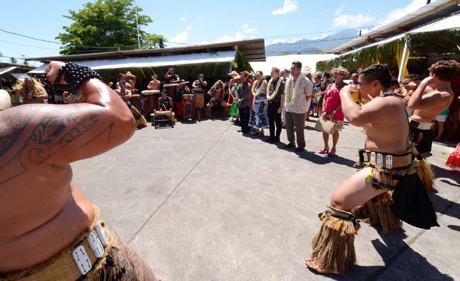 Plus d'une centaine d'artisans des îles de Fatu Hiva, Hiva Oa, Tahuata, Nuku Hiva, Ua Pou et Ua Huka.