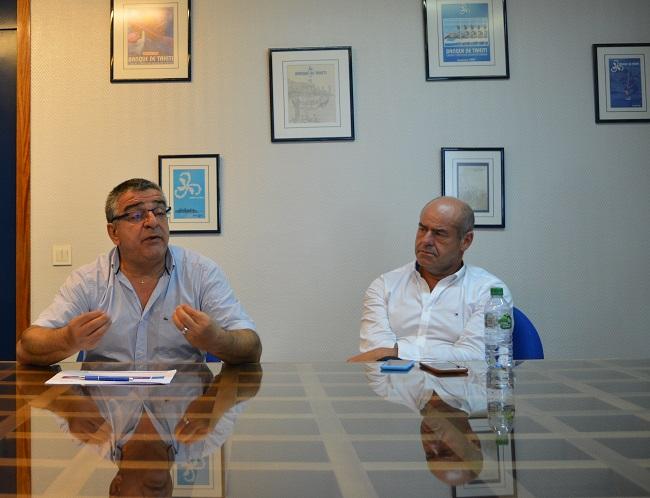 Patrice Tépélian, directeur général de la Banque de Tahiti avec Philippe Garsuault, directeur général du groupe BPCE international présentent Habitat Polynésien. Cette société, filiale de la Banque de Tahiti, va faire de la gestion de logements sociaux intermédiaires.