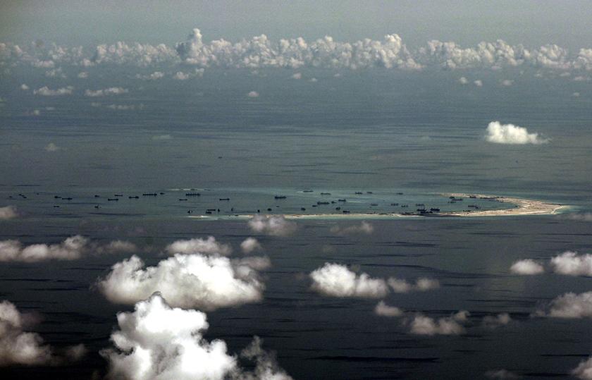 """Pékin estime """"avoir le droit"""" de prendre le contrôle d'îles en mer de Chine du sud"""