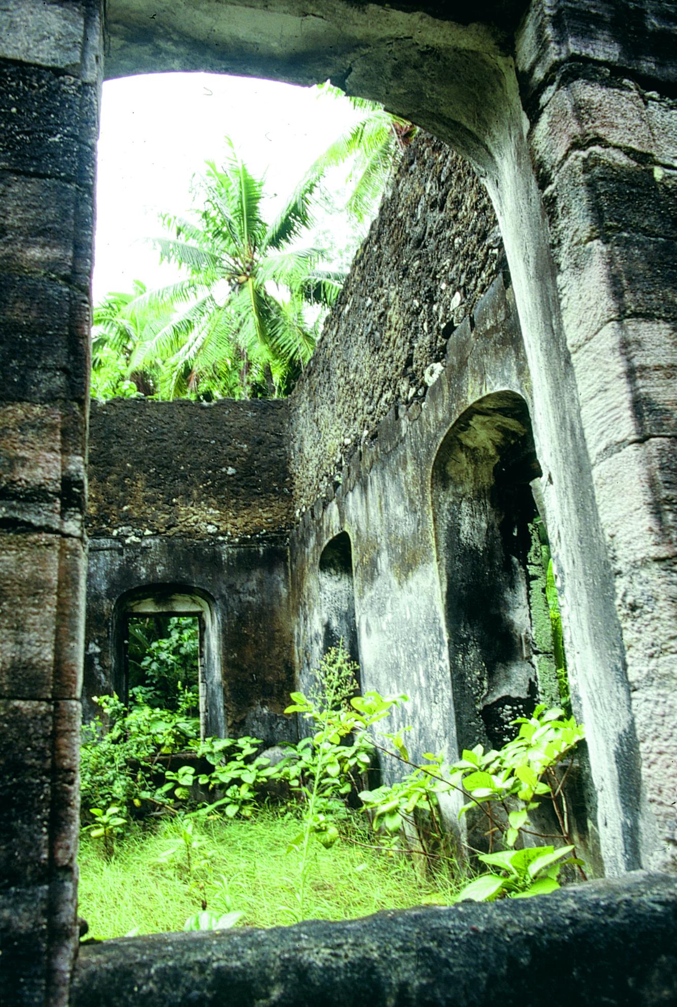 Carnet de voyage aux Gambier : le chapelet d'îles pieuses