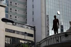 """Des envahisseurs sur les toits pour inciter les Hongkongais à """"lever la tête"""""""