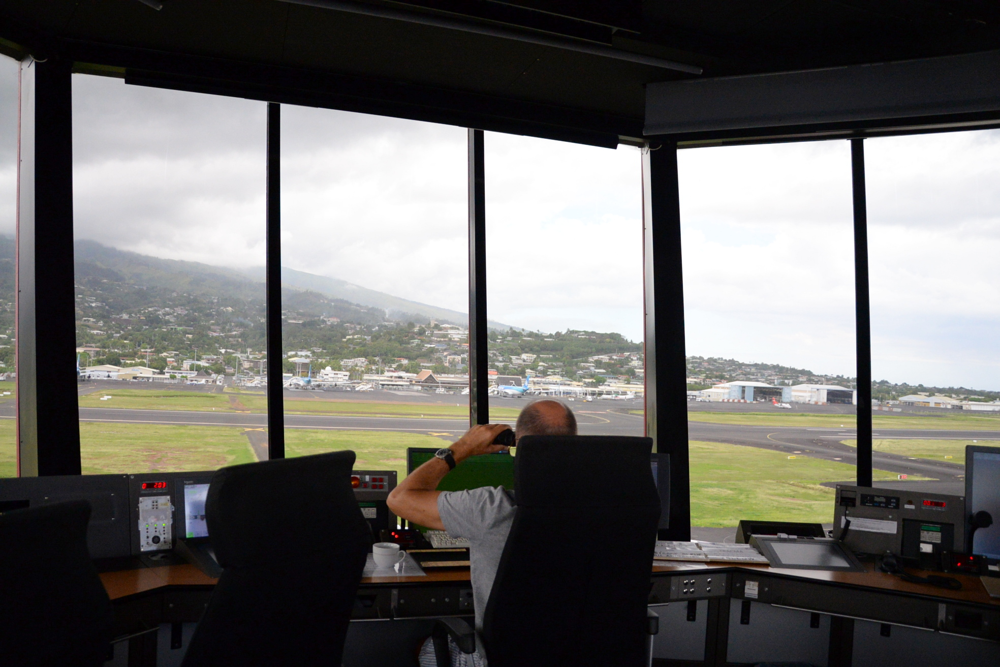 """Mieux comprendre le métier de contrôleur aérien : """" Assurer la sécurité des avions et la fluidité du trafic"""""""