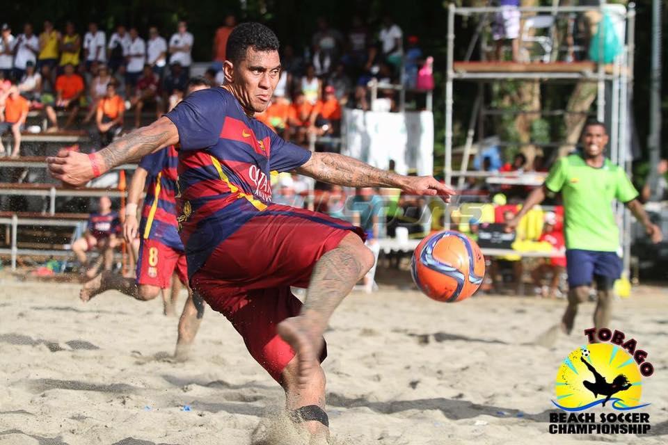 Heimanu Taiarui a été engagé par le FC Barcelone beach soccer