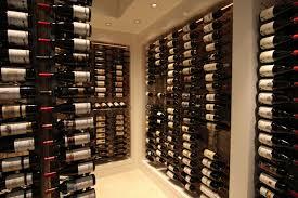 Chez un papy sans histoire, 20.000 bouteilles de renom et une défense de mammouth