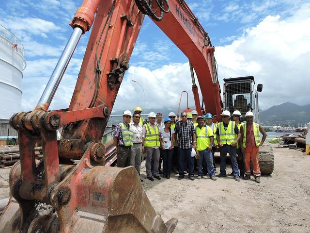 L'émissaire en océan permettra de rejeter les eaux épurées par la station d'épuration de la Papeava à 300 mètres au-delà de la digue de Motu Uta à 60 mètres de profondeur.