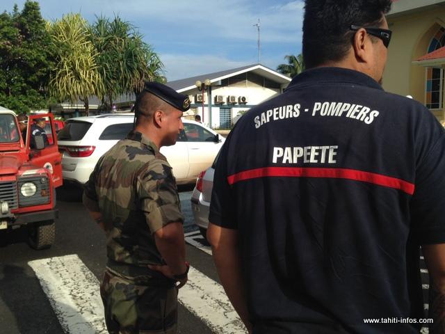 Des pompiers des autres communes, militaires et spécialistes en bûcheronnage de la fédération de la protection civile sont venus prêter mains fortes aux équipes sur place