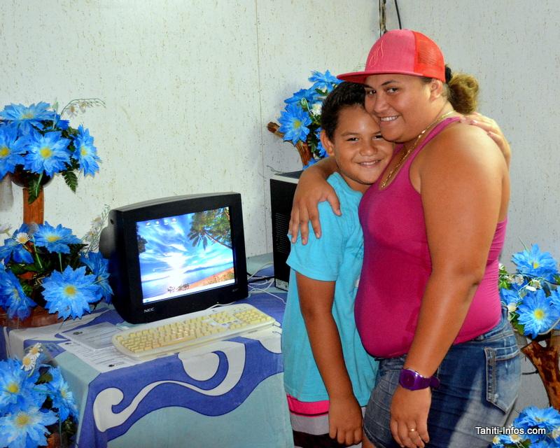 60 enfants défavorisés de Faa'a ont reçu leur premier PC