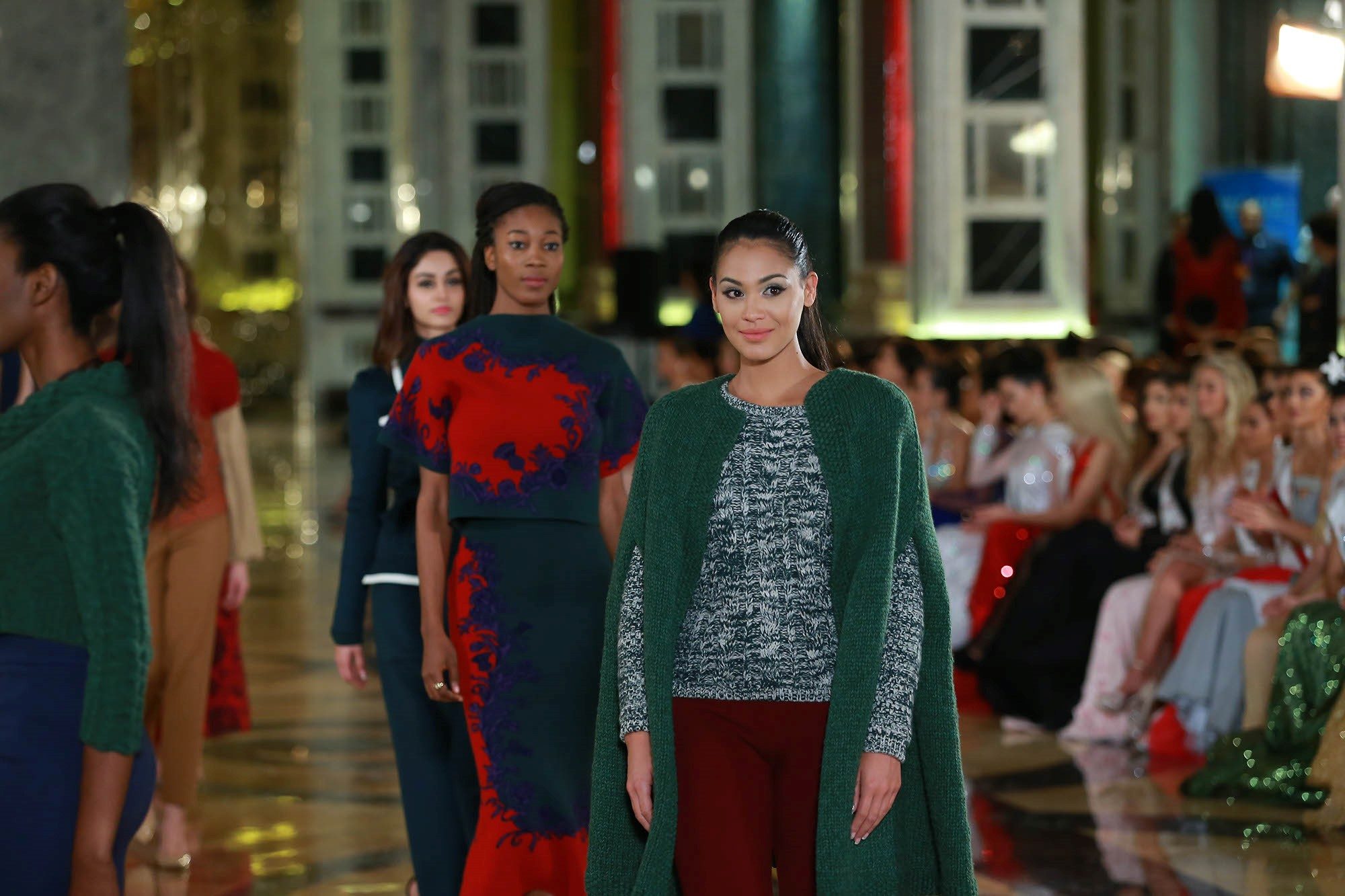 Pendant la finale de Miss Monde, tous les points seront comptés. Les meilleures candidates seront qualifiées pour la finale des finales, où elles devront répondre à une série de questions. Après ces questions, la favorite du public sera annoncée et rejoindra les finalistes.