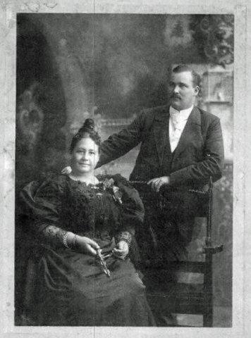 Emma et son mari, Paul Kolbe. Le cliché a été pris à San Francisco en 1896.