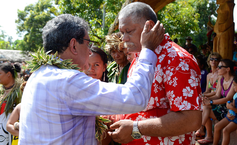 Edouard Fritch remet l'Ordre de Tahiti Nui à trois personnalités des îles Marquises