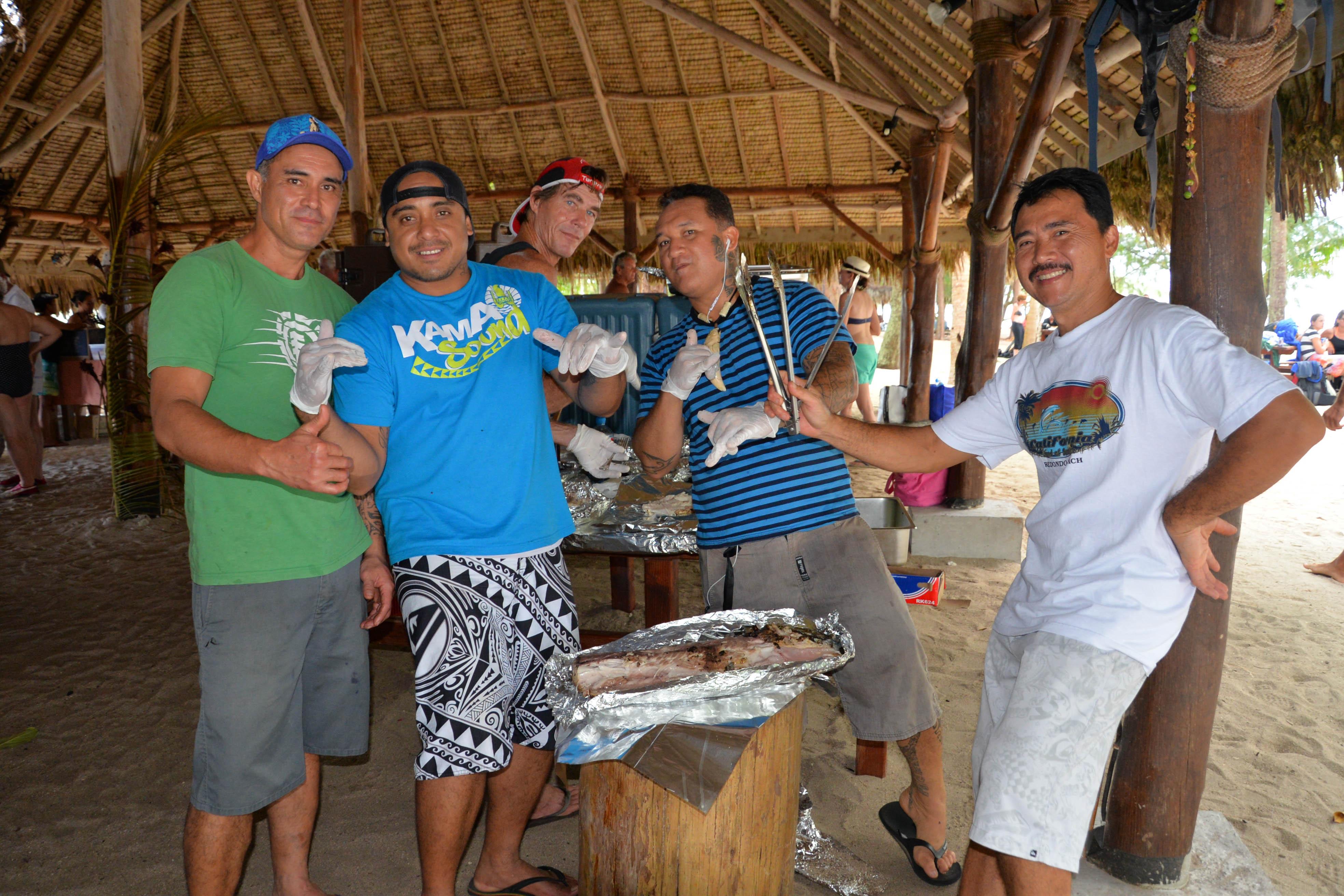 Mahi Mahi grillé par les cuisiniers de l'Aranui 5