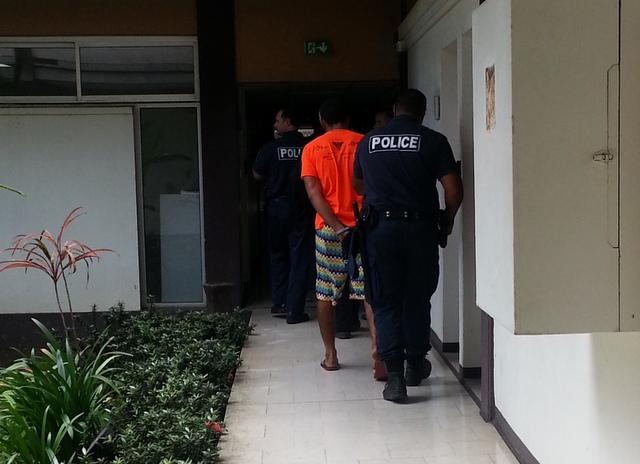 Le jeune homme de 27 ans a été mis en examen ce matin pour vol avec arme et placé en détention provisoire en attendant les suites de l'enquête.