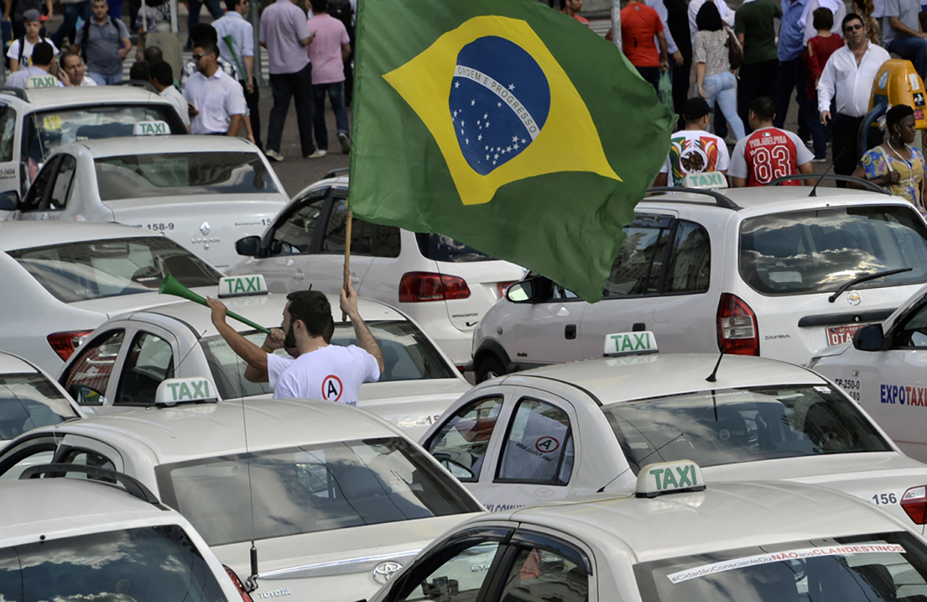 Sao Paulo interdit aux chauffeurs de taxi d'être en short et de parler foot