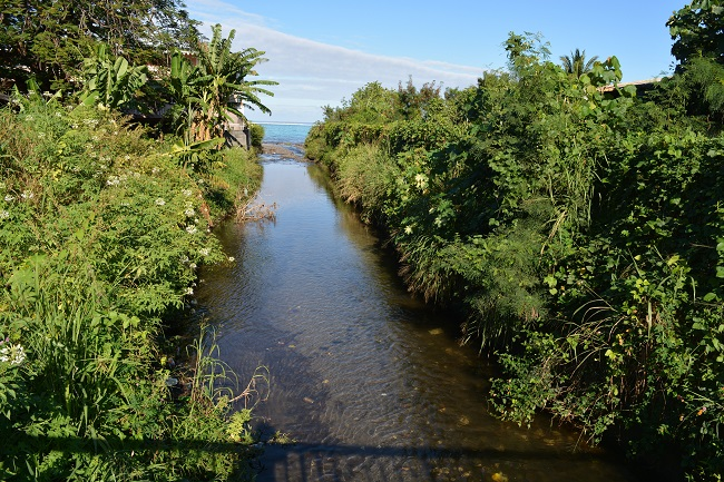 La rivière Tiapa traverse la commune de Paea et se jette dans la mer au niveau du PK 20,5.