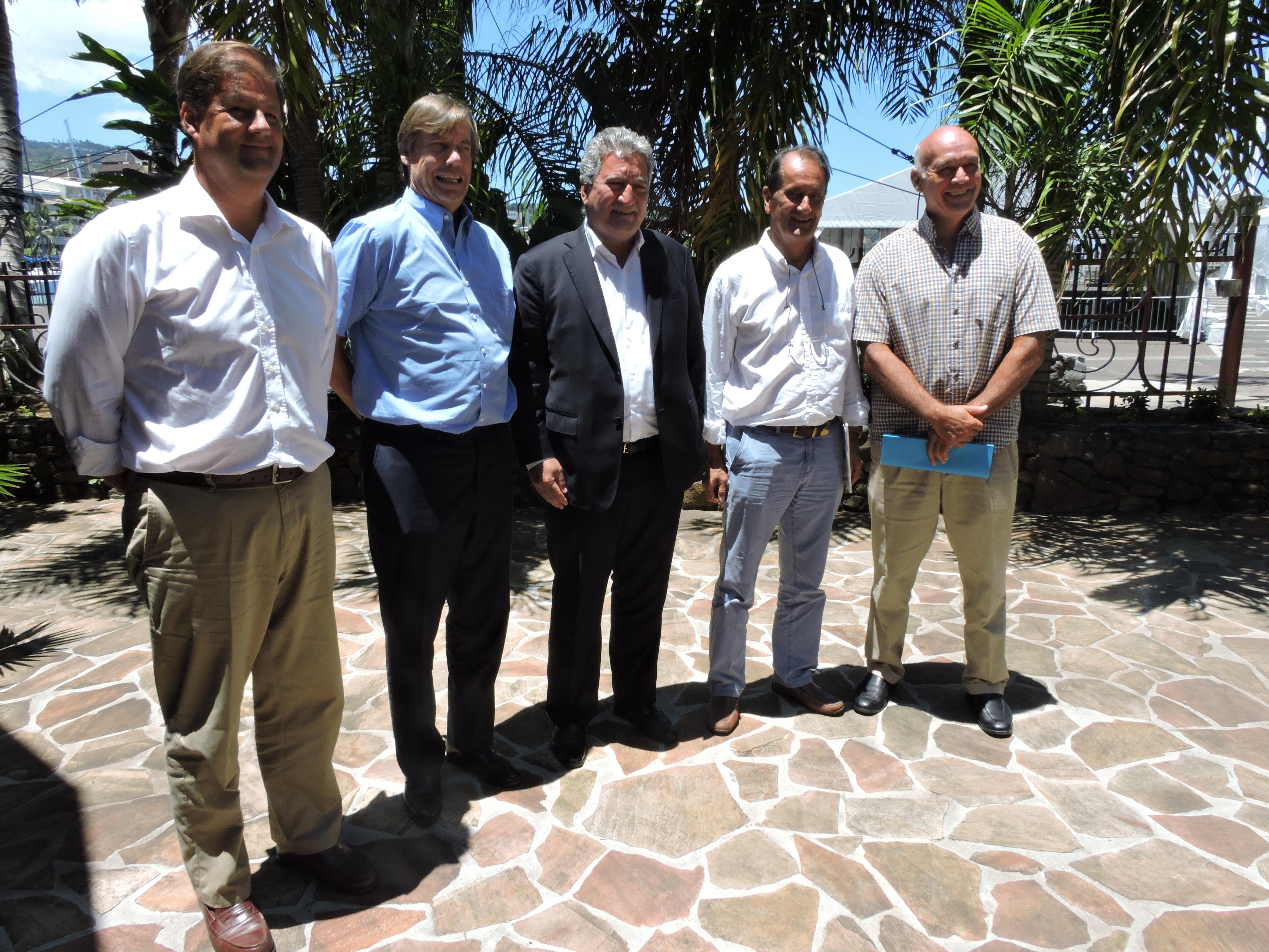 Le ministre du Tourisme Jean-Christophe Bouissou a reçu Alex Hervet, délégué régional d'Air France en Polynésie française, Marnix Fruitema, directeur général Amérique Air France/KLM, et Joël Allain, le P-dg d'Air Tahiti.