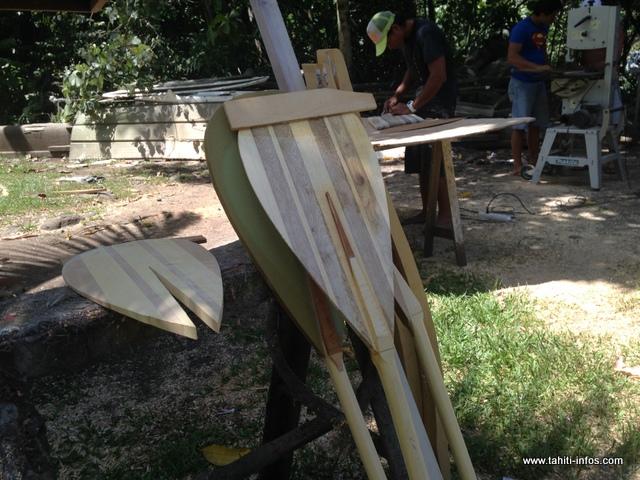 Terai travaille pour le moment dans l'atelier d'un ami, à Titioro. Son prochain projet est d'acquérir son propre atelier.