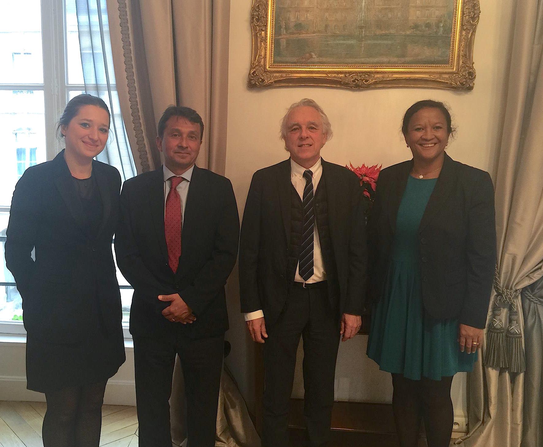 Les sénateurs polynésiens en compagnie de Jacques Chiron, sénateur de l'Isère, président de la Fédération des entreprises publiques locales (FEPL).