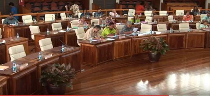 Les rangs de l'assemblée de Polynésie clairsemés jeudi après-midi au moment du débat sur le rapport de la Chambre territoriale des comptes sur la gestion du Pays depuis 2011.