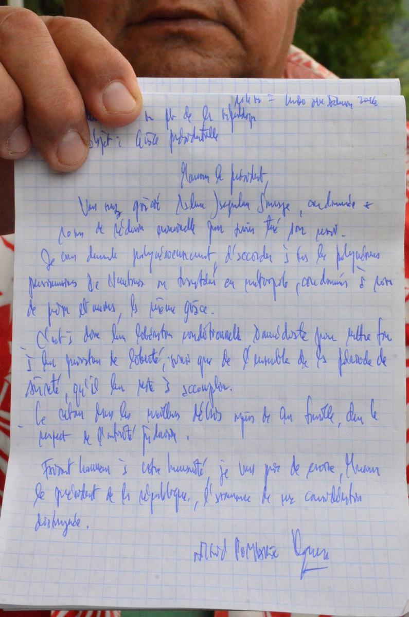 """Pomare demande à Hollande la """"libération"""" des détenus polynésiens"""