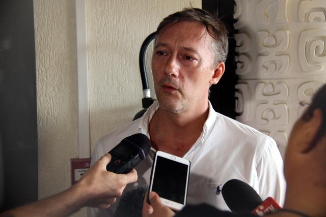 Nicolaz Fourreau, représentant de l'association de défense des familles des victimes de la catastrophe aérienne de Moorea.