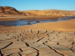 La Terre assoiffée absorbe de l'eau, ralentissant la montée des océans
