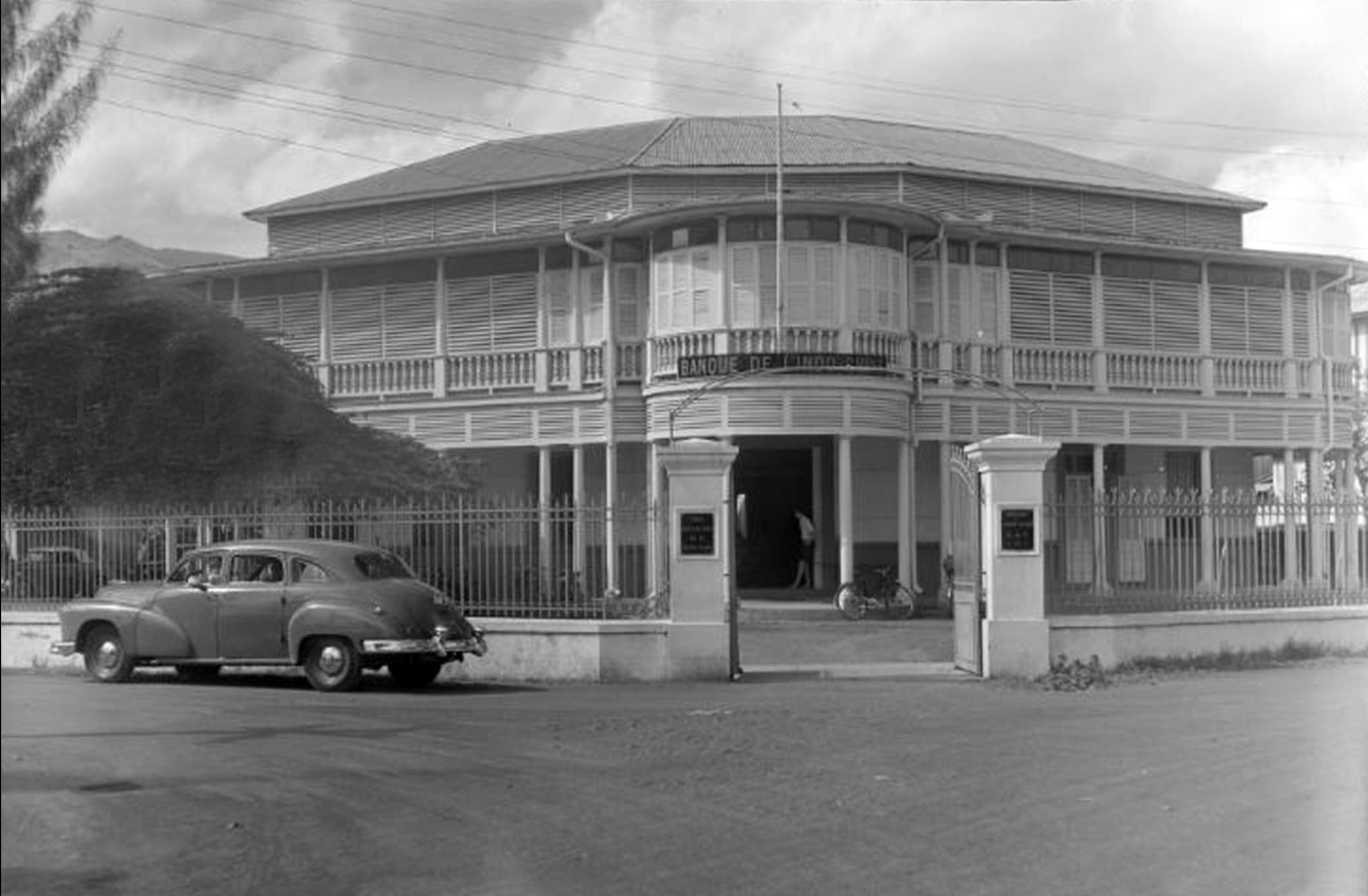 La banque d'Indochine en 1952.  Photo Whites Aviation