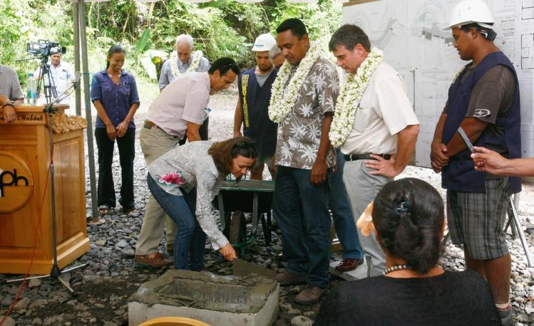 Tearii Alpha à Faa'a l'année dernière lors de la pose de la première pierre de l'opération Teroma Extension. (Archives Tahiti Infos)
