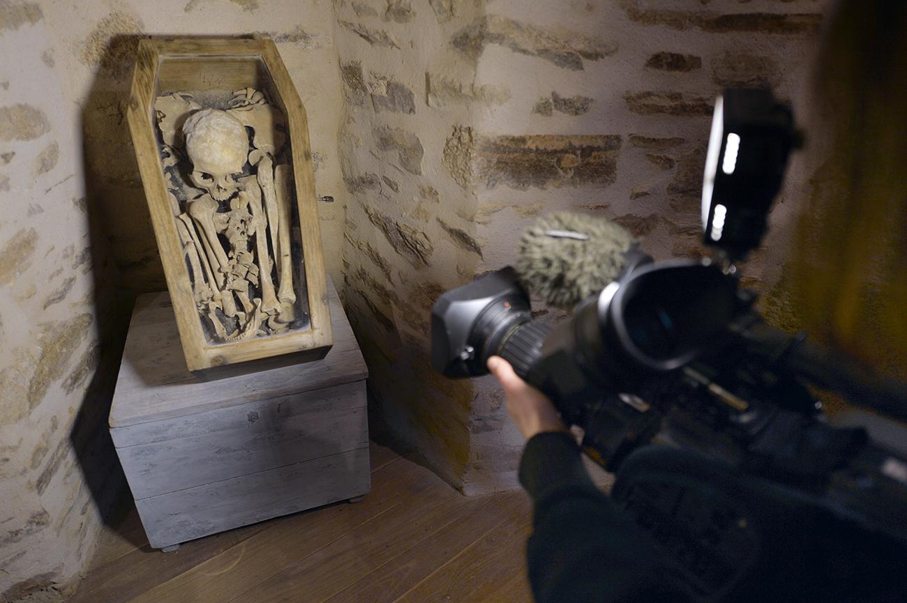"""Dordogne: """"Ernest"""" le mystérieux squelette va enfin être autopsié un siècle après sa découverte"""