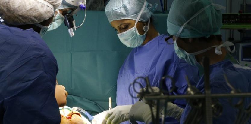 Pour la première fois, un patient est opéré d'une tumeur cérébrale muni de lunettes 3D