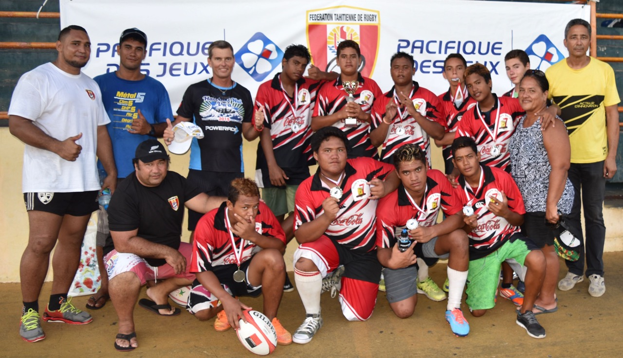 Rugby : dix collégiens de Makemo ont affronté leurs amis de Tahiti et Raiatea
