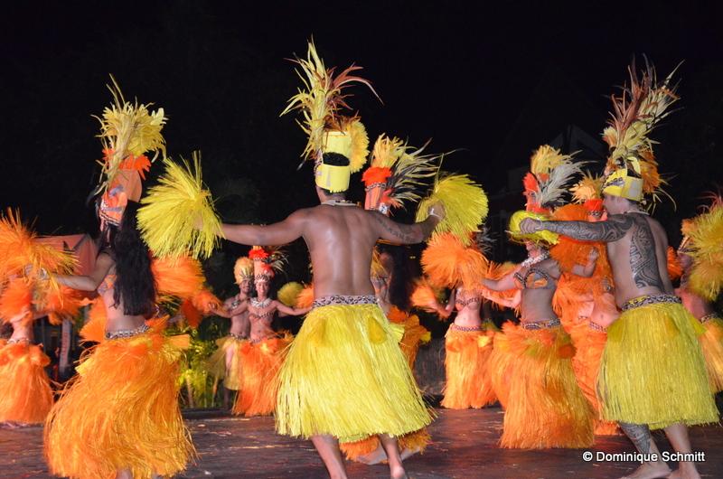 Tahiti Ora dansera à l'arrivée de François Hollande dimanche soir