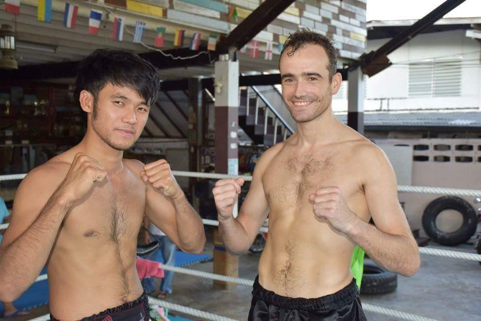 Benjamin Desnos dans son camp d'entrainement (à droite)