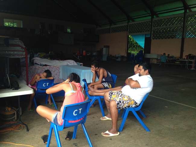Sur la côte Est des familles sont encore accueillies dans des salles communes en attendant d'être relogées.