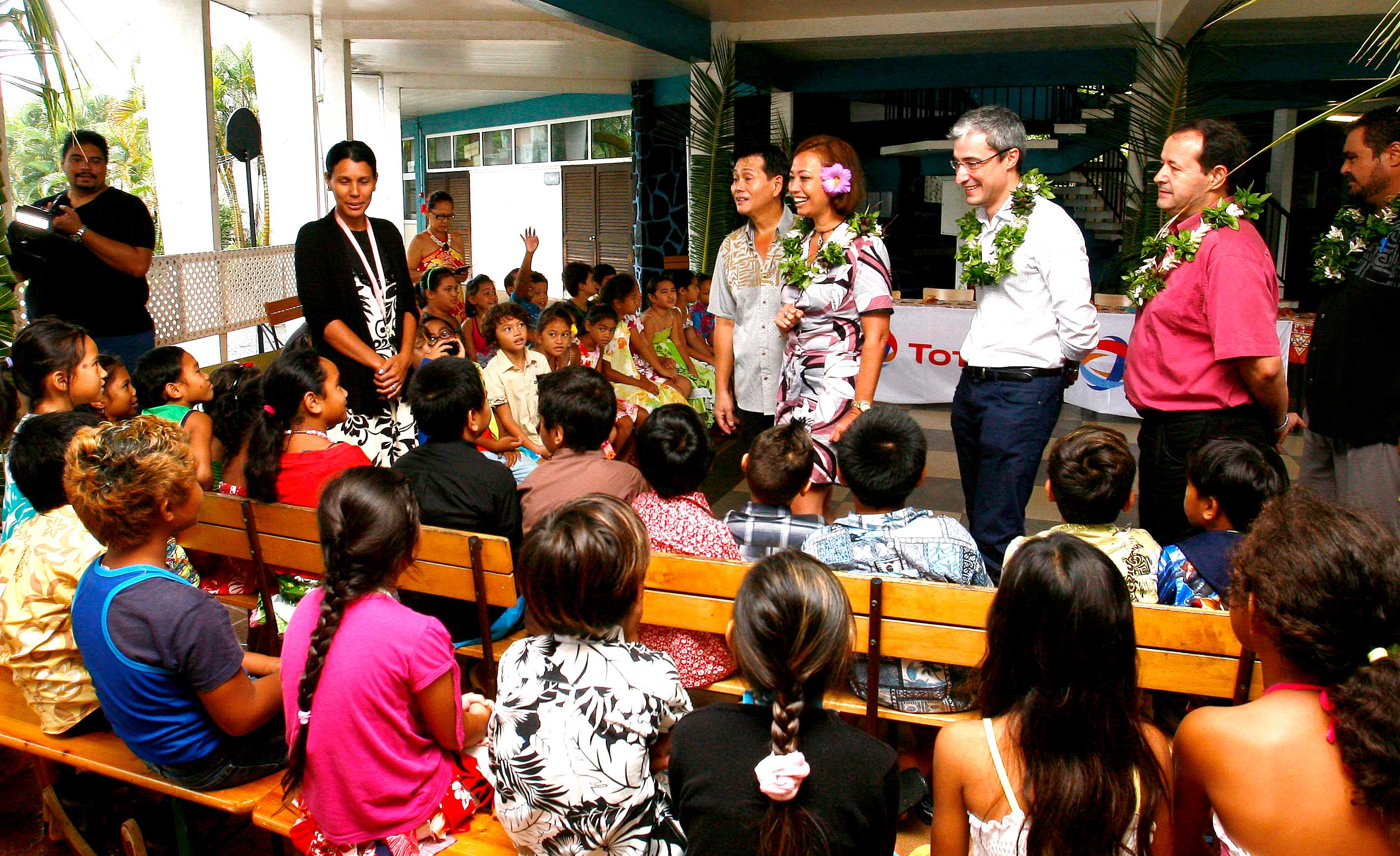 Campagne de sécurité routière dans les écoles : Nicole Sanquer-Fareata signe une convention avec l'entreprise Total