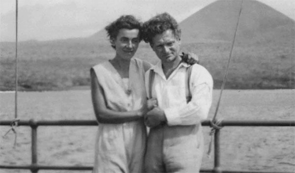 Le couple Ritter-Strauch, les premiers Allemands à s'être installés sur l'île de Floreana.
