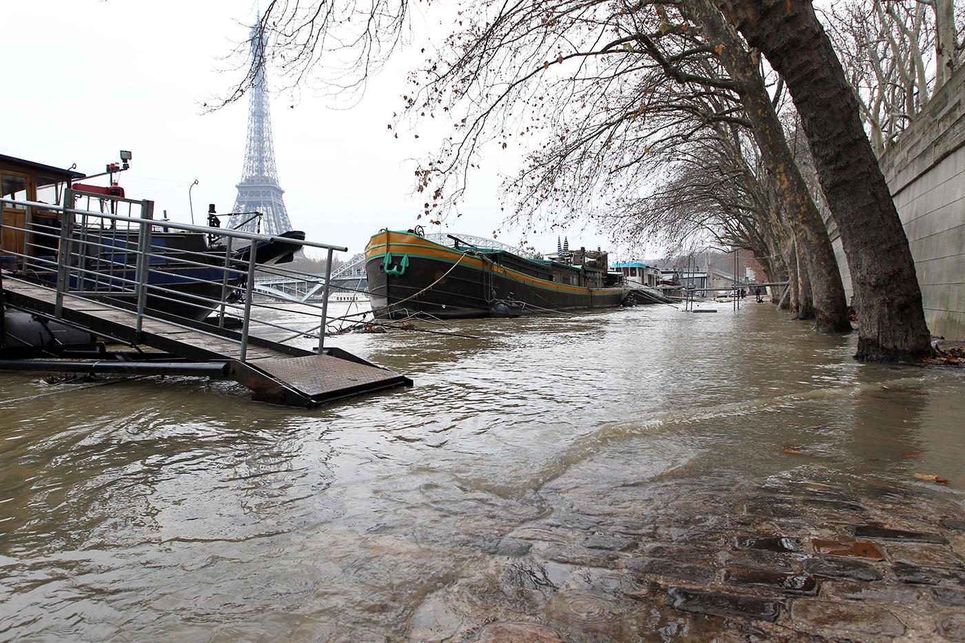 Eau, électricité, télécoms... : le quotidien en cas de crue majeure de la Seine