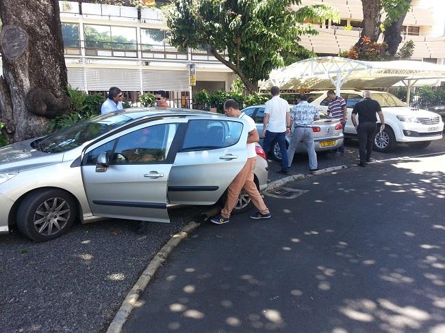Les policiers de la fiancière et du GIR ont quitté vers midi  l'assemblée de Polynésie française où le bureau du président Marcel Tuihani faisait l'objet d'une perquisition depuis 8 h ce  jeudi matin.