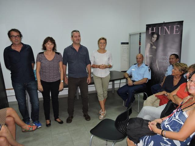 La rédaction a accueilli vendredi dans les locaux de Fenuacom des magistrats, gendarmes, policiers et avocats curieux d'en savoir plus sur le quotidien de la profession en Polynésie française.