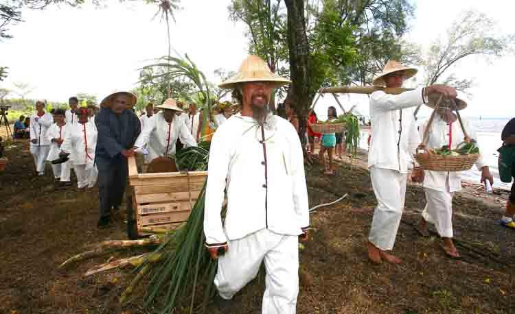 Le président du Pays a salué le travail réalisé par les associations Si Ni Tong et Varua Tupuna pour l'organisation de cette célébration.