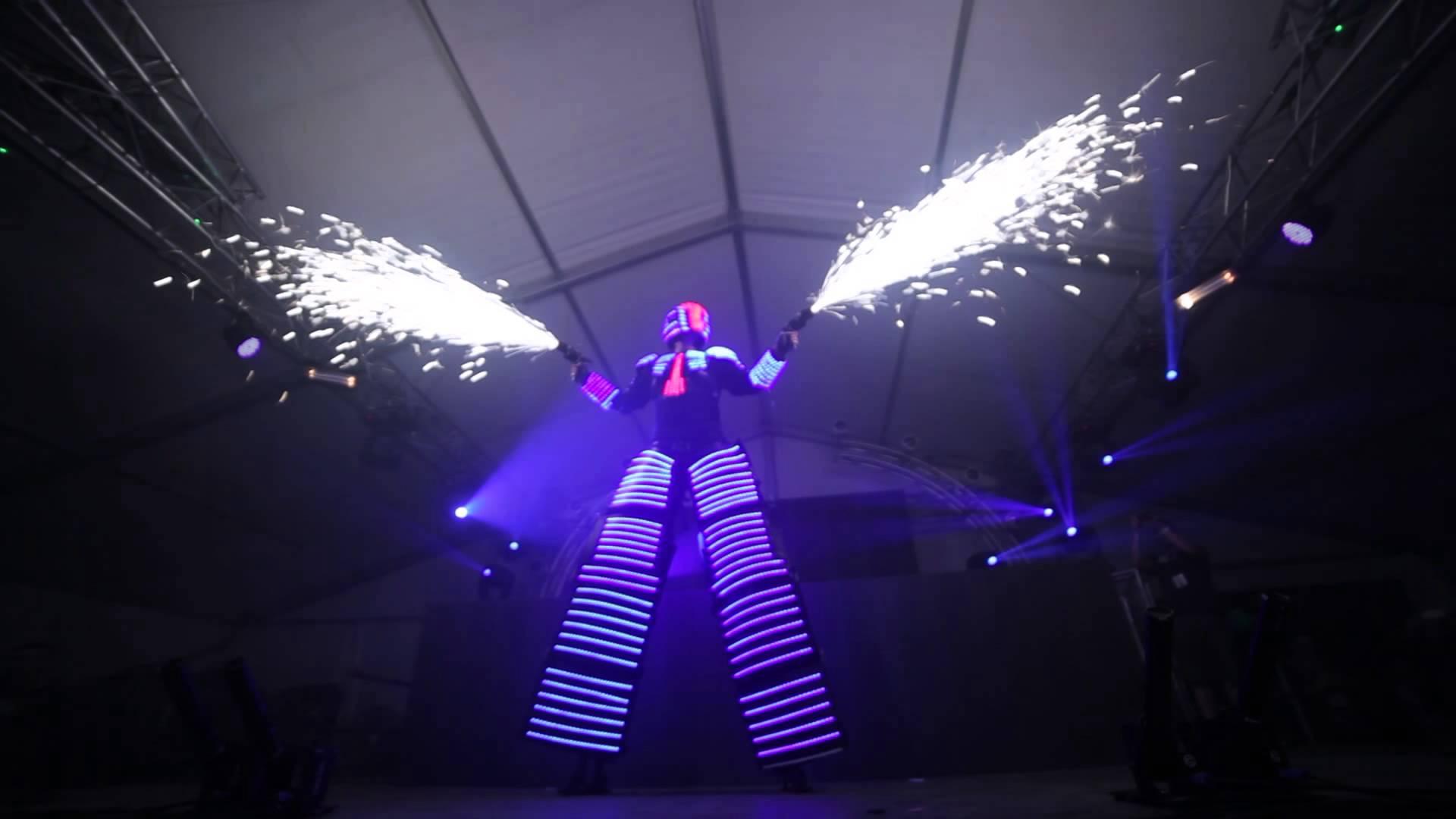 Avec des effets de lumières et d'artifices, Sparkerman devrait étonner le public polynésien.