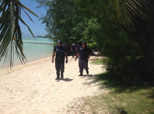 Les mutoi sur la plage de Tiahura.