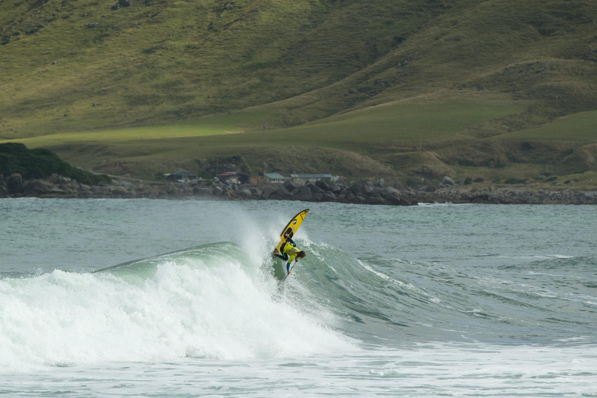 Caio Vaz dans le secret spot du bout du monde © Scott Sinton