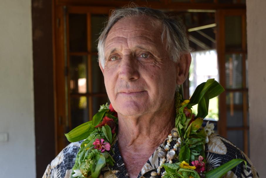 Bernard Roure, conseiller municipal de Papara en charge de l'environnement et des déchets dans la commune.