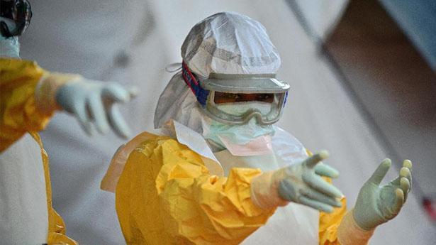 Nouveaux cas d'Ebola en Guinée: réouverture en urgence d'un centre de traitement