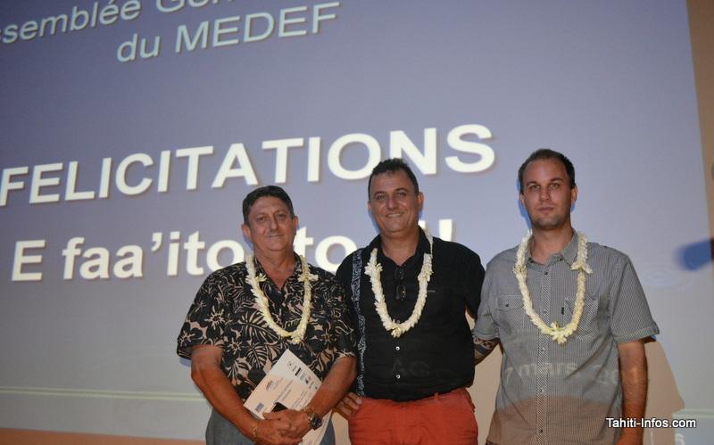 Teiva Godefroy (nouveau vice-président du Medef), Olivier Kressmann (président reconduit) et Shany Barotto (trésorier reconduit). Sur la photo il manque Narii Faugerat, deuxième vice-président, pour compléter le bureau.