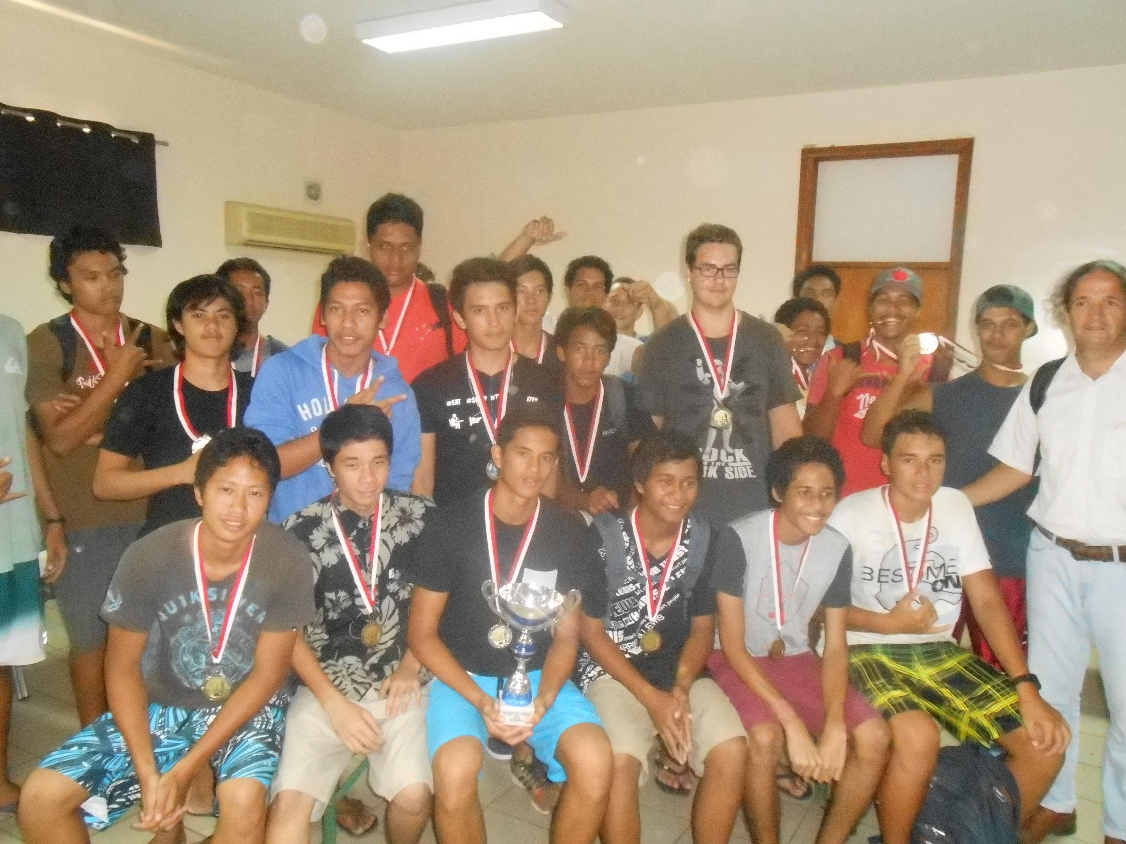 Les joueurs du lycée Taaone sont sacrés champions de Polynésie à l'issue du 9e tournoi inter-établissement d'échecs.